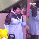Саша Черно продолжает шокировать зрителей своими нарядами